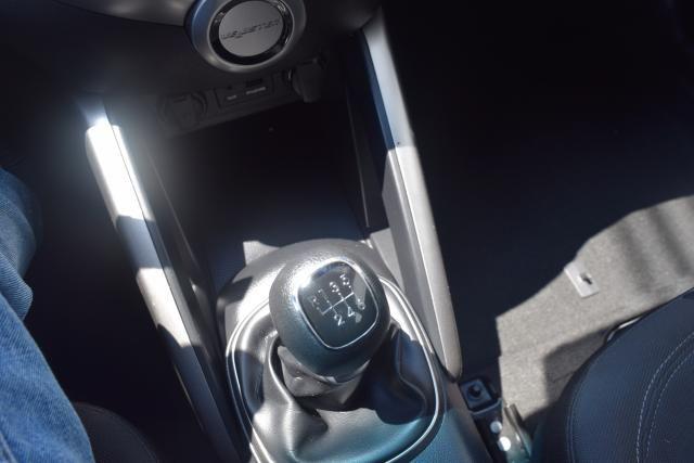 2012 Hyundai Veloster w/Black Int Richmond Hill, New York 13