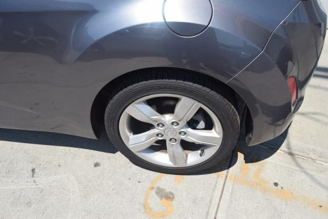 2012 Hyundai Veloster w/Black Int Richmond Hill, New York 5
