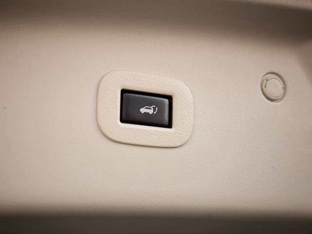 2012 Infiniti QX56 7-passenger Burbank, CA 34