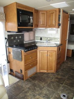 2012 Itasca Sunstar 26P  city Florida  RV World of Hudson Inc  in Hudson, Florida