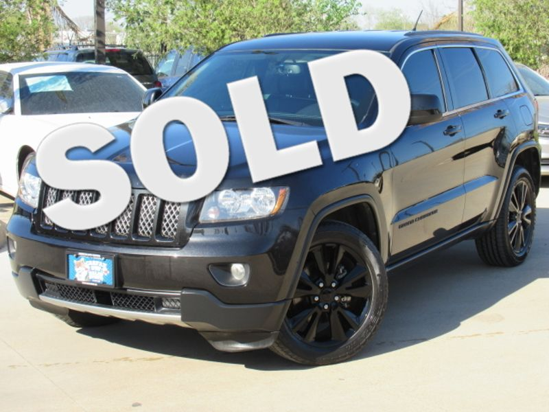 in inventory cherokee owned sport pre jeep laredo utility grand used