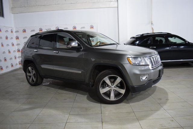2012 Jeep Grand Cherokee Overland Summit Richmond Hill, New York 2