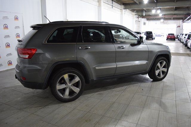2012 Jeep Grand Cherokee Overland Summit Richmond Hill, New York 3