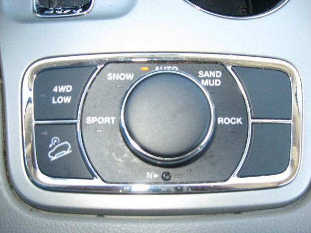 2012 Jeep Grand Cherokee Laredo 4X4 Richmond, Virginia 10