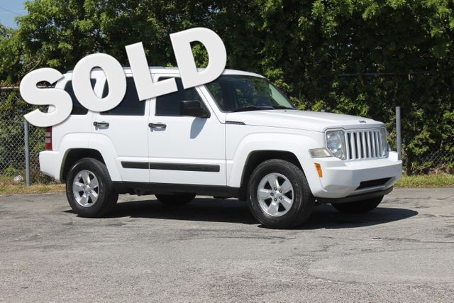 2012 Jeep Liberty Sport  WARRANTY CARFAX CERTIFIED 2 OWNERS FLORIDA VEHICLE TRADES WELCOME