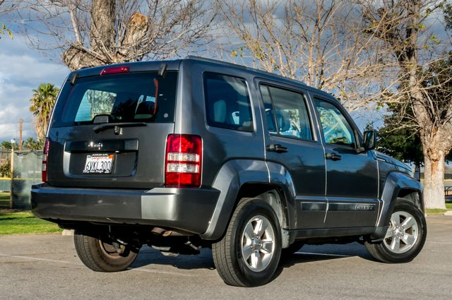 2012 Jeep Liberty Sport - AUTO  - 51K MILES - ALLOY WHEELS Reseda, CA 8