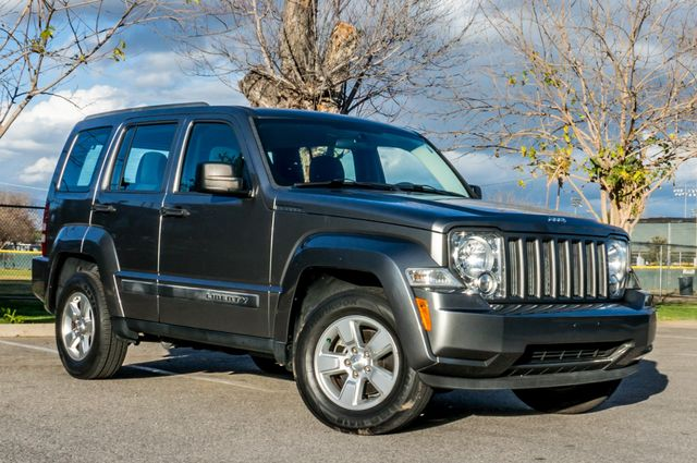 2012 Jeep Liberty Sport - AUTO  - 51K MILES - ALLOY WHEELS Reseda, CA 3