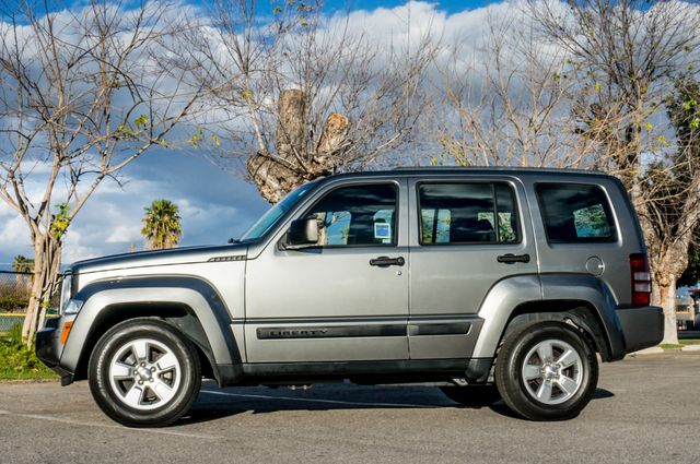2012 Jeep Liberty Sport - AUTO  - 51K MILES - ALLOY WHEELS Reseda, CA 4