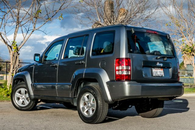 2012 Jeep Liberty Sport - AUTO  - 51K MILES - ALLOY WHEELS Reseda, CA 6