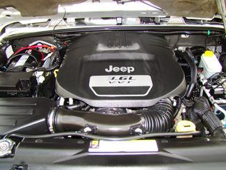 2012 Jeep Wrangler Sahara Bettendorf, Iowa 28