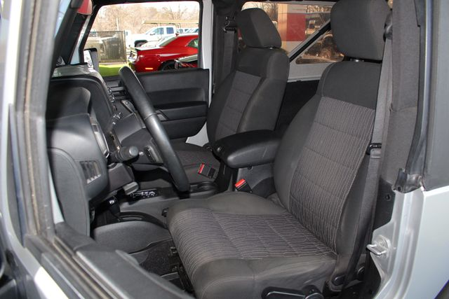 2012 Jeep Wrangler Sport 4X4 - BLACK APPEARANCE PKG! Mooresville , NC 7