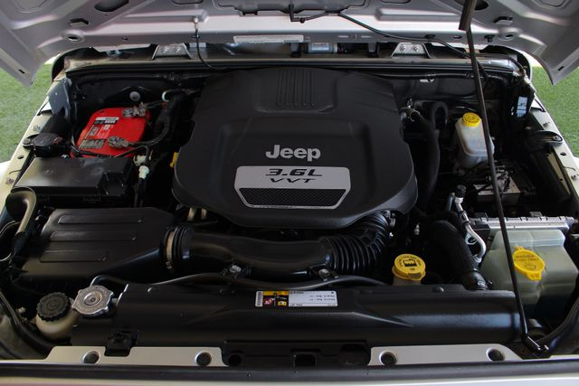 2012 Jeep Wrangler Sport 4X4 - BLACK APPEARANCE PKG! Mooresville , NC 38