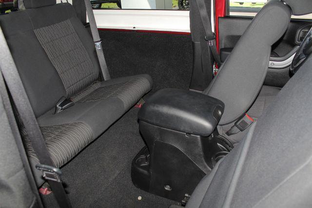 2012 Jeep Wrangler Rubicon 4X4 - POWER PKG - BLUETOOTH! Mooresville , NC 38