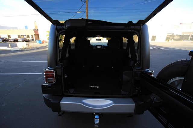 2012 Jeep Wrangler Unlimited* 4DR* 4X4* RARE MANUAL* HARDTOP Sahara* NAVI* PREM SOUND* CHROME* TOW PKG* WOW Las Vegas, Nevada 26