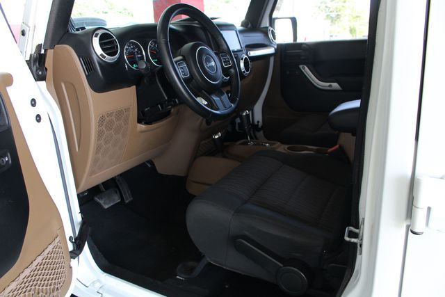 2012 Jeep Wrangler Unlimited Sahara 4X4 - LOTS OF EXTRA$! Mooresville , NC 36