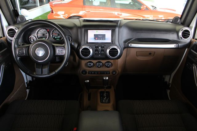 2012 Jeep Wrangler Unlimited Sahara 4X4 - LOTS OF EXTRA$! Mooresville , NC 35