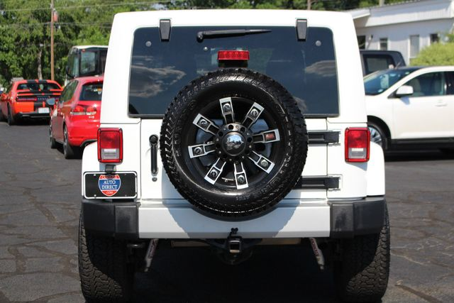 2012 Jeep Wrangler Unlimited Sahara 4X4 - LOTS OF EXTRA$! Mooresville , NC 17
