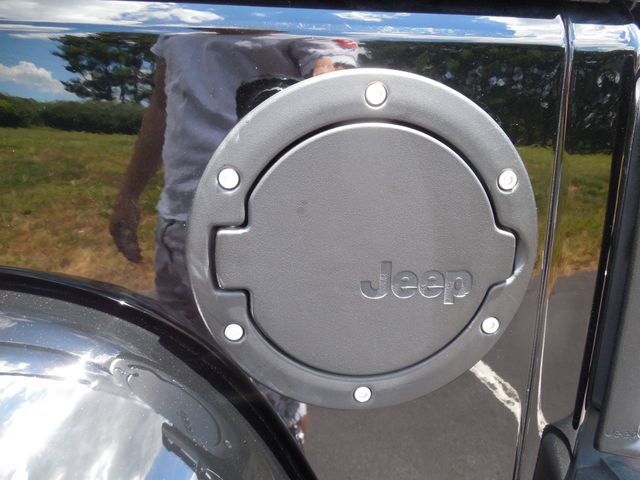 2012 Jeep Wrangler Unlimited Rubicon Call of Duty MW3 Leesburg, Virginia 10