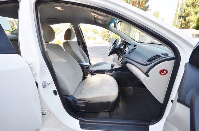 2012 Kia Forte EX - AUTO - ONLY 30K MILES Reseda, CA 21