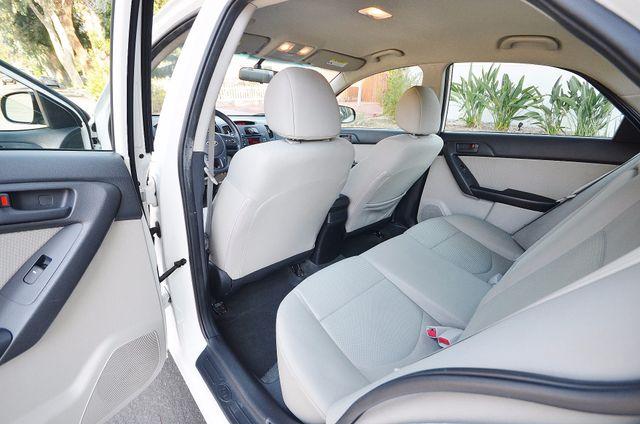 2012 Kia Forte EX - AUTO - ONLY 30K MILES Reseda, CA 8
