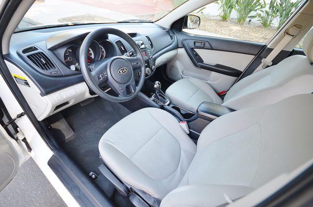 2012 Kia Forte EX - AUTO - ONLY 30K MILES Reseda, CA 2
