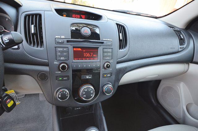 2012 Kia Forte EX - AUTO - ONLY 30K MILES Reseda, CA 6