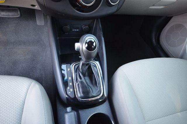 2012 Kia Forte EX - AUTO - ONLY 30K MILES Reseda, CA 10