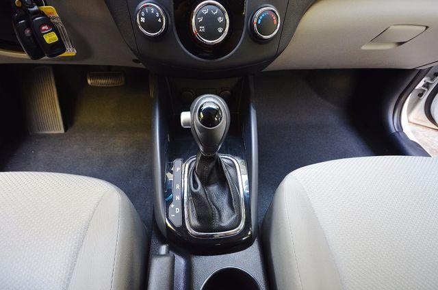 2012 Kia Forte EX - AUTO - ONLY 30K MILES Reseda, CA 28