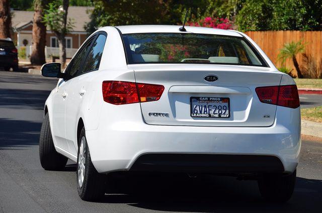 2012 Kia Forte EX - AUTO - ONLY 30K MILES Reseda, CA 15