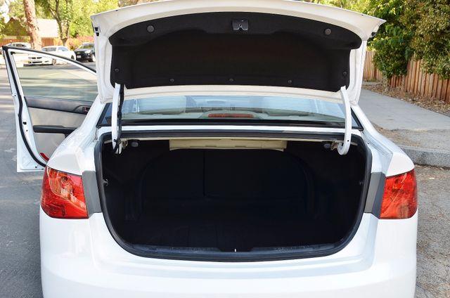 2012 Kia Forte EX - AUTO - ONLY 30K MILES Reseda, CA 17
