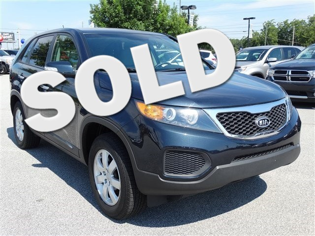 2012 Kia Sorento LX SUPER SHARP DEFINATELY WORTH THE DRIVE YOU WILL NOT BE DISAPPOINTED AND YOU W
