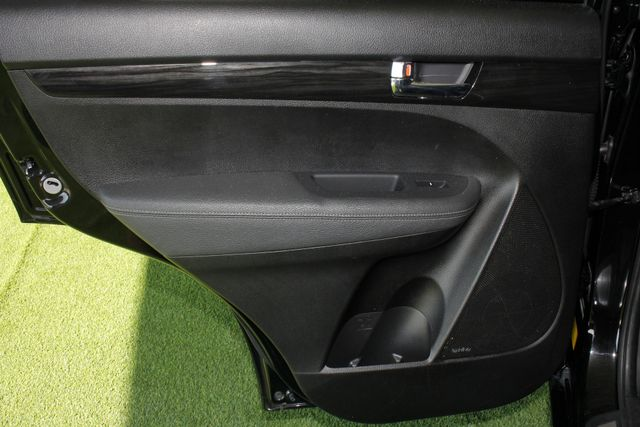 2012 Kia Sorento SX FWD - NAV - HEATED/COOLED LEATHER! Mooresville , NC 37