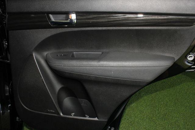 2012 Kia Sorento SX FWD - NAV - HEATED/COOLED LEATHER! Mooresville , NC 38
