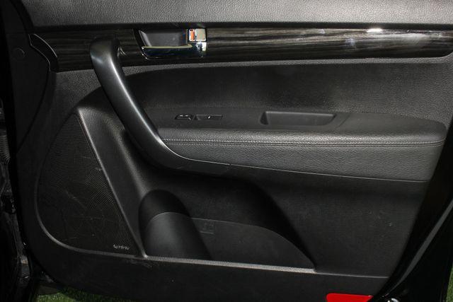 2012 Kia Sorento SX FWD - NAV - HEATED/COOLED LEATHER! Mooresville , NC 36