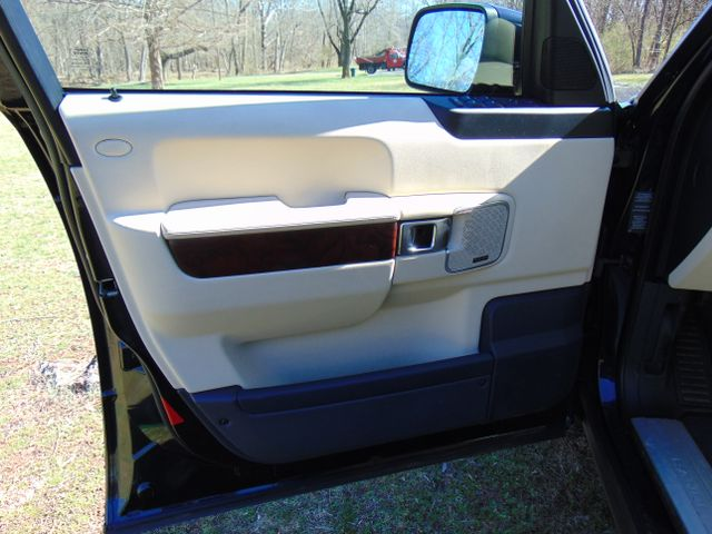 2012 Land Rover Range Rover HSE Leesburg, Virginia 8