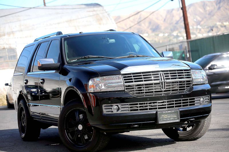 2012 Lincoln Navigator - Nav - Sunroof - SONY Sync  city California  MDK International  in Los Angeles, California