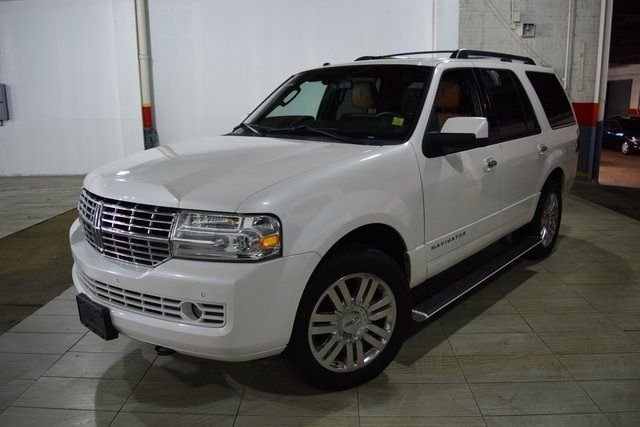 2012 Lincoln Navigator Base Richmond Hill, New York 1