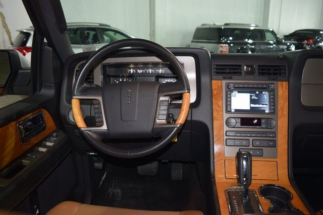 2012 Lincoln Navigator Base Richmond Hill, New York 16