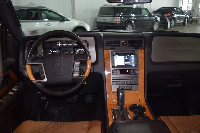 2012 Lincoln Navigator Base Richmond Hill, New York 17