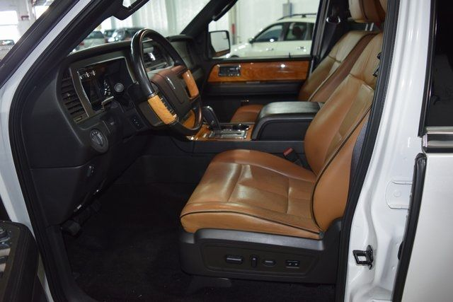 2012 Lincoln Navigator Base Richmond Hill, New York 24