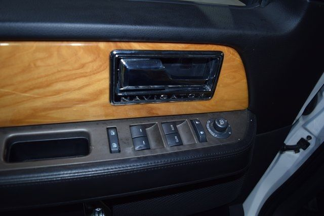 2012 Lincoln Navigator Base Richmond Hill, New York 25