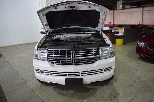 2012 Lincoln Navigator Base Richmond Hill, New York 3