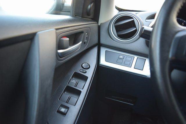 2012 Mazda Mazda3 i Touring Richmond Hill, New York 21