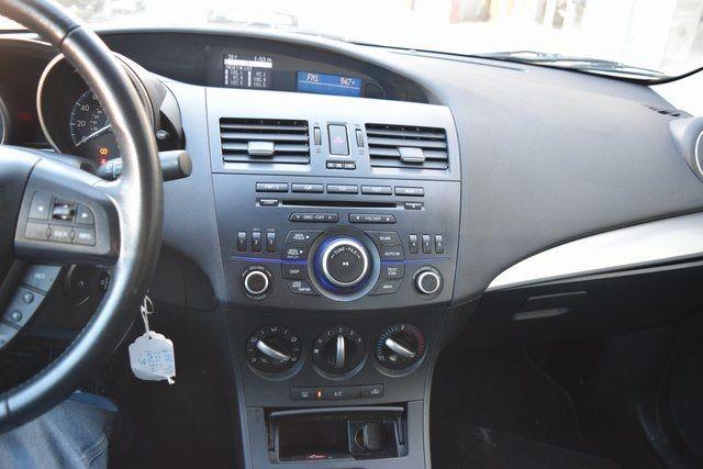 2012 Mazda Mazda3 i Touring Richmond Hill, New York 24