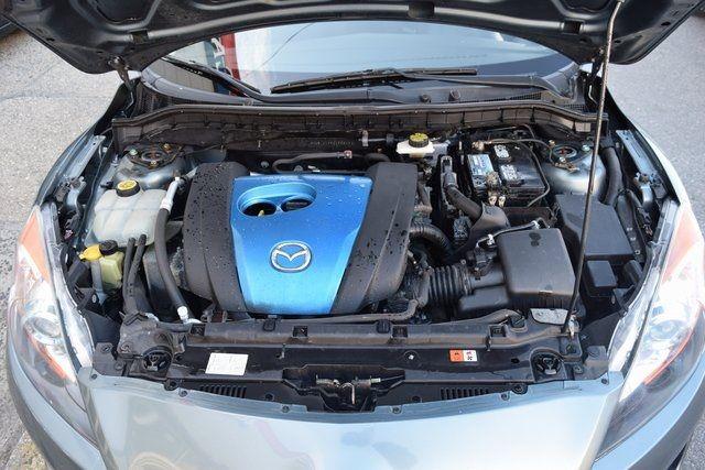2012 Mazda Mazda3 i Touring Richmond Hill, New York 4