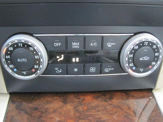 2012 Mercedes-Benz GLK 350 Luxury SUV, Pano. Nav, Super Nice Plano, Texas 24