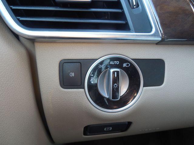 2012 Mercedes-Benz ML350 4MATIC Leesburg, Virginia 26