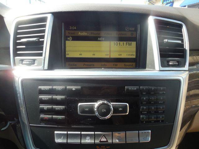 2012 Mercedes-Benz ML350 4MATIC Leesburg, Virginia 27