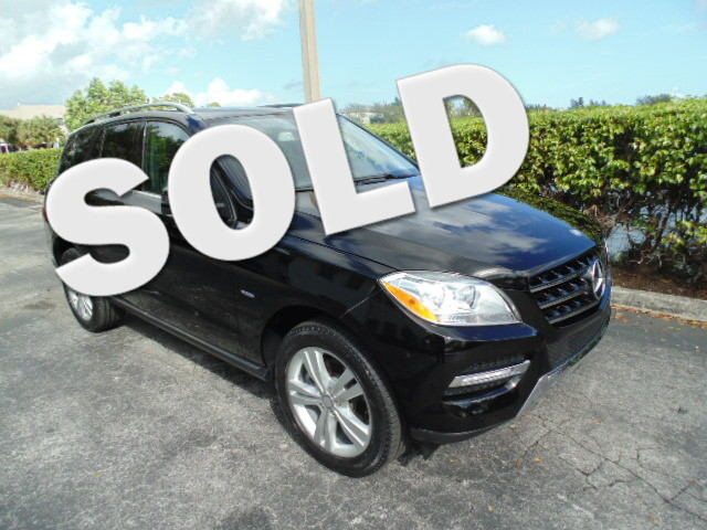 2012 Mercedes ML350 This 2012 Mercedes MLK350 AWD is a 1-owner non-smoker florida car and is ca