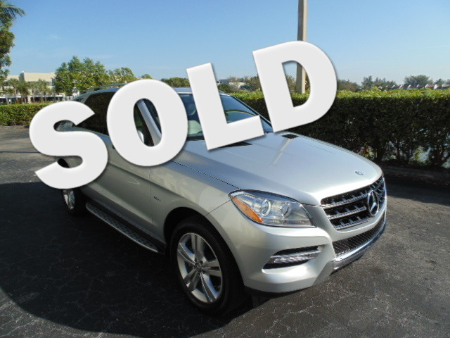 2012 Mercedes ML350 This 2012 Mercedes MLK350 AWD is a 1-owner non-smoker florida car and is
